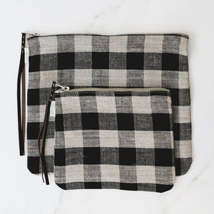 [재입고] Fog Linen Black & Natural Check Pouch (M/L)