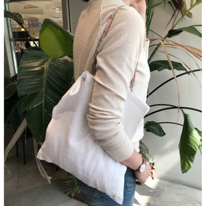 [재입고] SIMPLY WHITE LINEN BAG