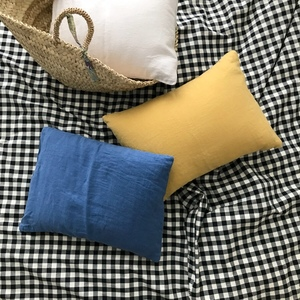 French Linen Petite Cushion II (30 x 40)