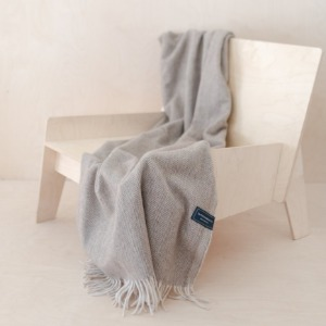 Recycled Wool Knee Blanket in Herringbone (Beige)