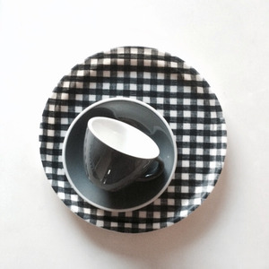 Linen Coating Round Tray (Dark Navy Check)